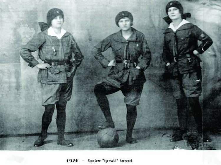 Polish-Girl-Scouts